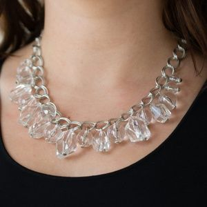 Gorgeously Globetrotter - Clear Necklace Set